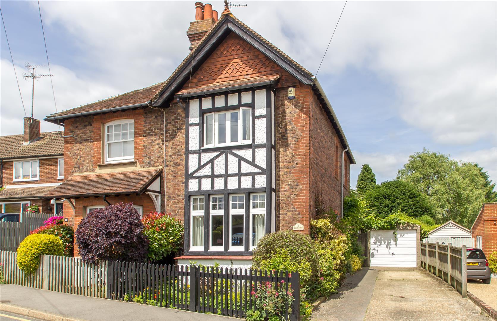 3 Bedrooms Property for sale in Westbury Terrace, Westerham